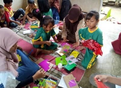 Kegiatan Bina Desa Penerima Beasiswa Tanoto Foundation